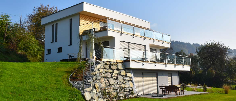 Holzhaus Hang Flachdach